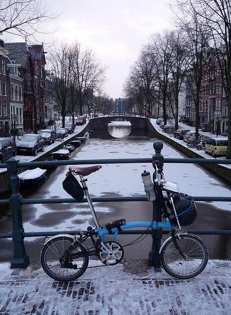 Winter cycling in Amsterdam on a Brompton folding bike