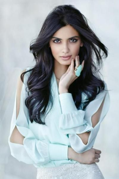 Diana Penty to star opposite Abhay Deol in Dolly Lahore Mein #DianaPenty #DianaPentymovies