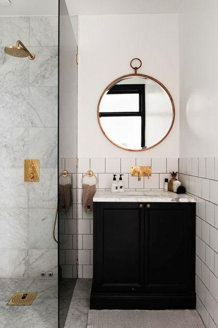 Hej tisdag! Inte mindre än två st badrum håller jag på med just nu, som båda har gemensamt att de är små och behöver planeras smart och så kompakt det går så att alla millimetrar utnyttjas optimalt. P