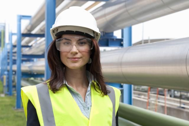 Are you interested in types of jobs you could get with a degree in chemical engineering? Here are careers requiring a bachelors or masters degree. #ChemicalEngineering #engineering #chemical