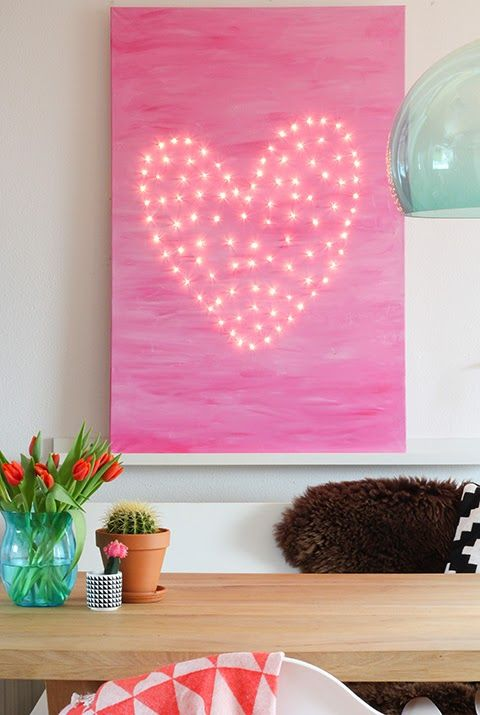 DIY This stunning artwork to give an area in your room a fresh new look. The possibilities are endless as you can change the shape or colour for a totally new vibe