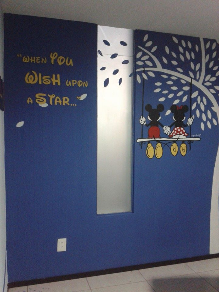 A mural painted by hand over texturized wall !! what a work but love the results