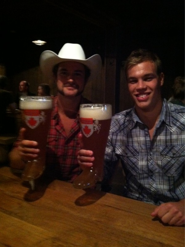 Taylor Hall, Edmonton Oilers, Party Calgary Stampede. Das Boot - Beerfest.