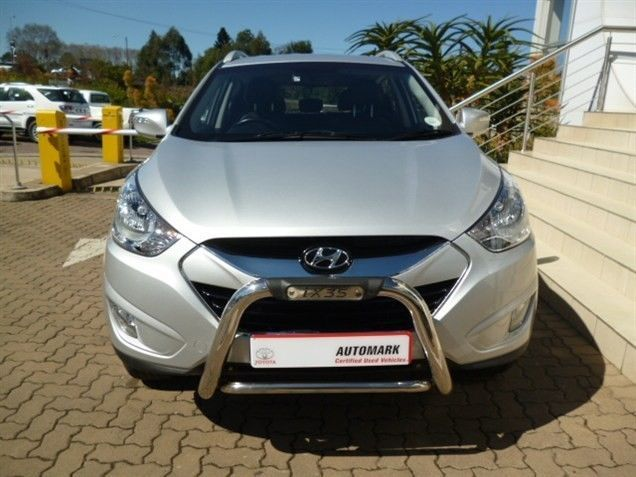 The Family Favourite SUV, 2012 #Hyundai ix35 2.0 GLS. This #SUV is Silver in colour & has a Wonderful 2.0 Petrol Engine. Manual, Mileage of 37 800Kms. Priced R239 990. Enjoy these Great Extra's: ABS / Adaptive Headlights / Air Conditioner / Airbags / Alarm / Central Locking Key / EBA / Electric Seats / Electric Windows / Radio/CD/USB / Traction Control +More. Contact Keith Rabilal on 082 323 1303 / 031 737 1500 or Email keithr@smg.co.za. Like Us…