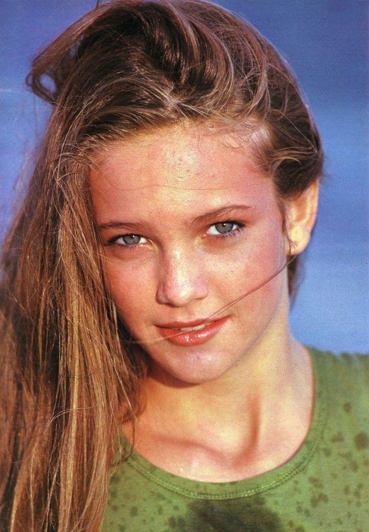 Young Diane Lane (1109×1600)