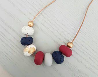 Collar de arcilla de polímero rojo / rojo y oro / collar / joyería de arcilla de polímero / arcilla joyería / collar de la collar / rojo rebordea / regalo para ella