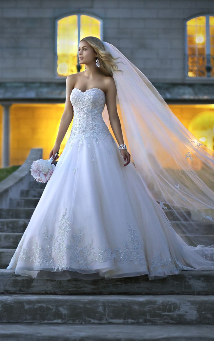 1032 best Brautkleider images on Pinterest | Wedding frocks, Bridal ...