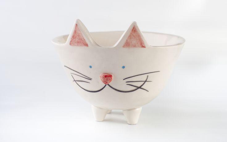 www.astralobjetos.com Maceta con patitas. Ceramica hecha a mano - Handmade ceramic