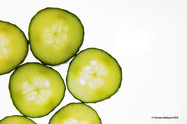 """From the set """"fruity""""  #fruit #fruits  #cucamber  #slices #green #photo #photography  #foodphotography #fotisto #fruity #fresh"""