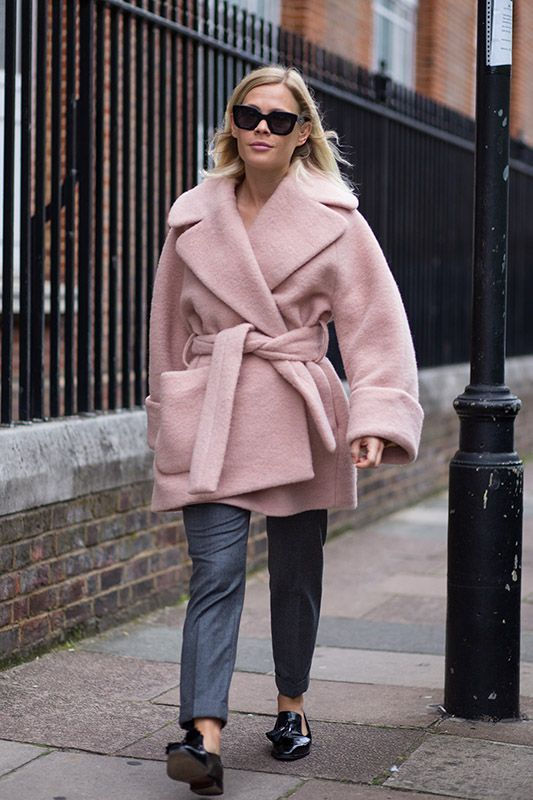 SS16 streetstyle details cute cozy warm baby pink coat  blonde hair grey trousers