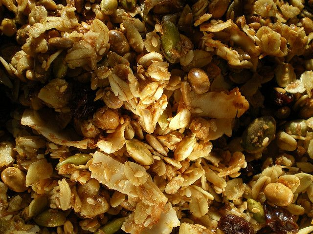 How to Make Your Own Granola Clusters - The Kitchen Magpie
