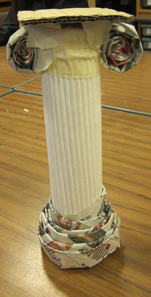 Greek columns, aren't they great.  the children worked in groups to produce them, think they learned quite a lot about Greek Architecture too!