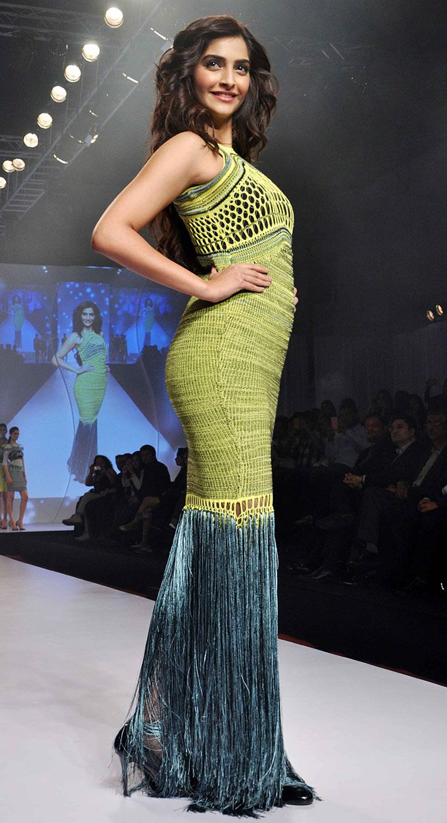 Sonam Kapoor looked stunning in a tasseled figure hugging gown on Day 1 of the Signature International Fashion Weekend (SIFW) 2013. #Bollywood #Fashion #Style #Beauty