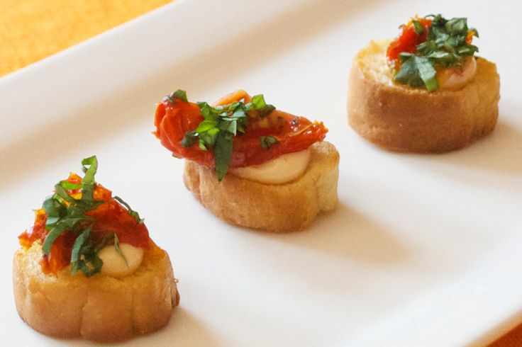 17 best images about food canapes on pinterest for Beef horseradish canape