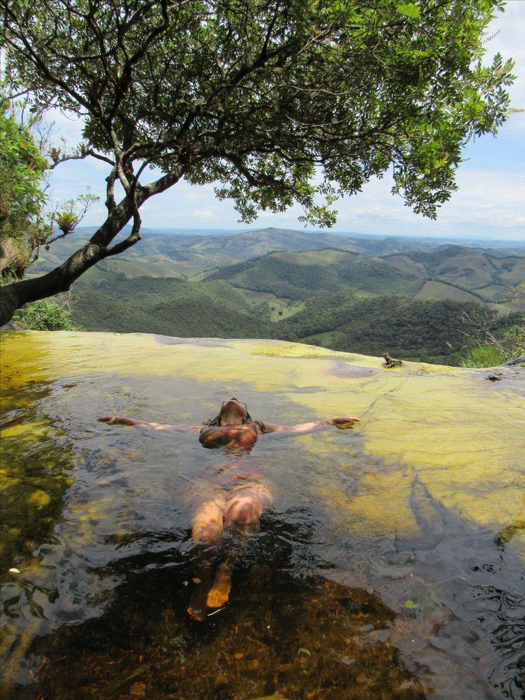 Quando você e a natureza se tornam um. Plenitude!!! Janela do Céu no Parque Estadual de Ibitipoca - Conceição de Ibitipoca - Minas Gerais