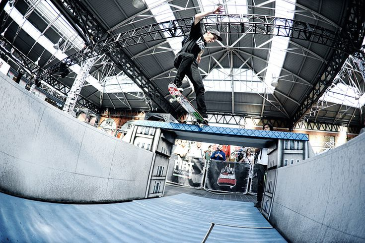 amsterdam: vans downtown showdown