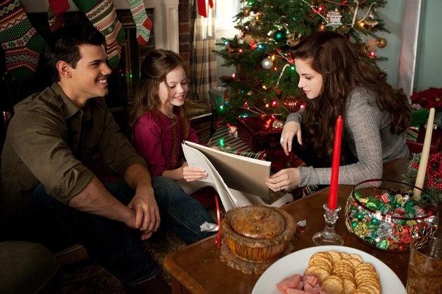 """Taylor Lautner, Mackenzie Foy and Kristen Stewart in """"The Twilight Saga Breaking Dawn Part 2"""""""