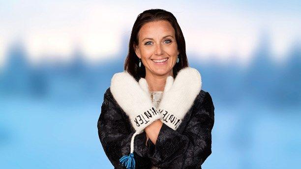 Sanna Lundell är journalist, programledare och hästtjej: 2015 var året hon fick vara lycklig, utan att egentligen anstränga sig. I sitt vinterprat tar hon upp hur man ska nå känslan av att duga som man är, och kommer fram till att det handlar om självrannsakan och att våga omfamna även det fula hos sig och hos andra. Foto: Mattias Ahlm