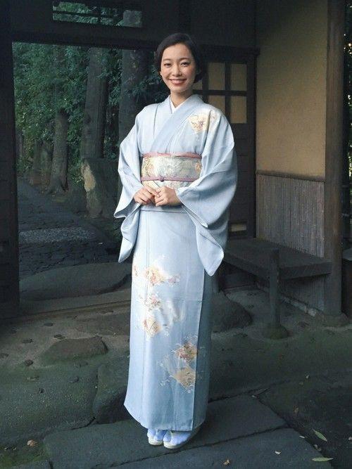 hataoriの着物・浴衣を使った阿久津ゆりえさんのコーディネートです。│hataoriの撮影にて。淡くて綺麗な...