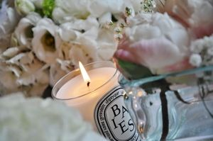 #Dyptique Candle at #Wedding in #Scottish #Castle. Pink peonies, Wedding table decoration. Drumtochty Castle Scotland