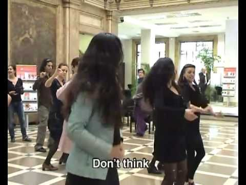Banken-Flashmob Flamenco Sevilla Spanien Untertitel