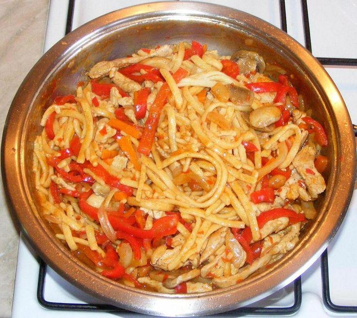Chinese food recipes - Mancare chinezeasca cu taitei si legume