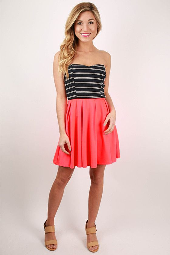 The combination of neon and stripes has made this one of our favorite minis this season! The neon skirt gives this classic nautical look a vibrant edge! Pair it with your favorite wedges and a glam necklace, then you'll have a fun and flirty look for spring and summer occasions!