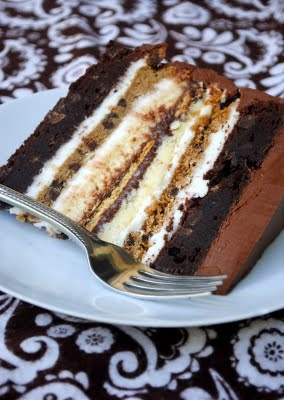 Brownie  & Chocolate Chip Cookie & Graham Crackers & Marshmallow Frosting & Topped with Chocolate Frosting...This is ridiculous. I want a bite so bad.Ultimate Smores, S More Cake, Anniversary Cakes, Anniversaries Cake, Smores Cake, Ultimate S More, Layered Cake, Cheesecake Brownies, Birthday Cake