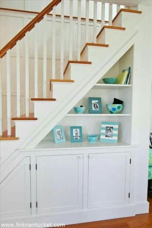 Debajo de escaleras