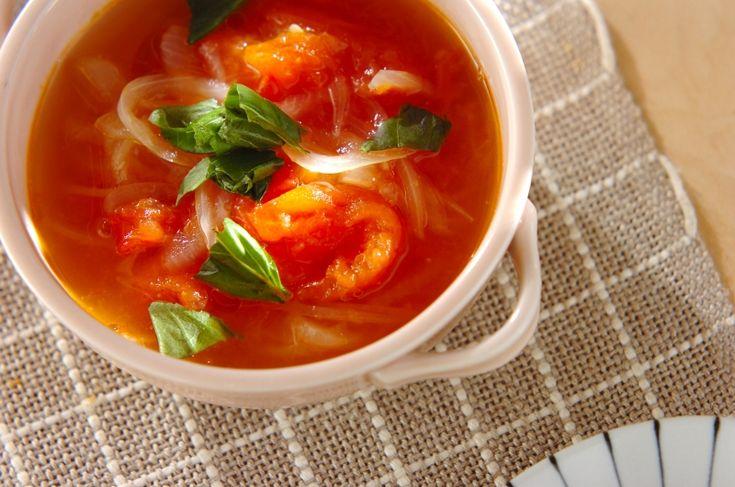 玉ネギの甘みとトマトの酸味が感じられるスープです。トマトと玉ネギのスープ/保田 美幸のレシピ。[エスニック料理/スープ]2016.05.23公開のレシピです。