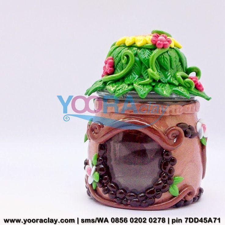Toples/Gelas mini Hias Clay, tinggi rata-rata 10cm, harga tergantung desain, bisa untuk tempat permen, gula/kopi, aksesoris/perhiasan, manik-manik, dll :)