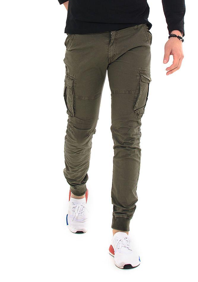 07231e8218d3 Ανδρικό Chino Παντελόνι σε χακί χρώμα. Διαθέτει δύο τσέπες στο μπροστά  μέρος και δύο στο πίσω που κλείνουν με κουμπί καθώς…