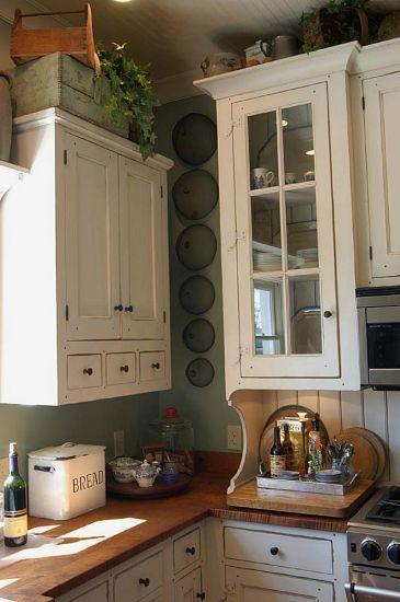 bracket under cabinet  Workshops of David T. Smith - Custom Kitchens - Cottage
