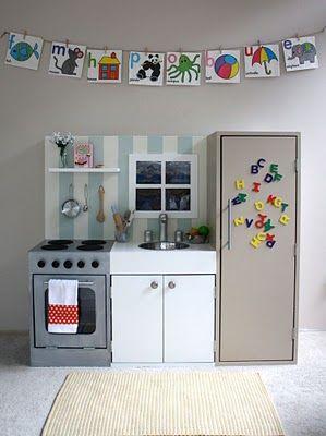 play kitchen / love the striped backsplash!