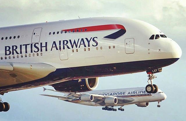 手机壳定制great tee shirts Have you ever seen two A    s approaching an airport at the same moment British Airways amp Singapore Airlines Airbus A  on parallel approach to London Heathrow Captured by jeffreys