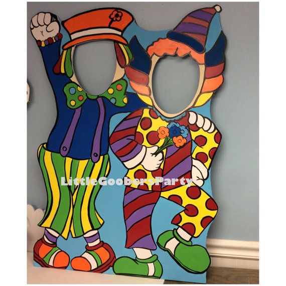 Carnival Clown Photo Booth Prop - Circus face hole cutout