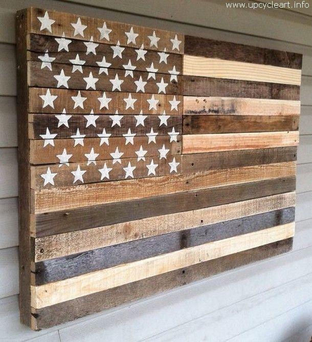 Ich habe diese Art von Palettenholzkreation vor der Haustür eines US-Marines …