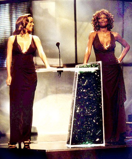 "Can we say ""Awkward"" - both Mariah Carey and Whitney Houston showed up in the same dress! (1998)"