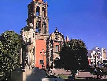 Templo del Hospitalito in Irapuato, Guanajuato, Mexico - Tour By Mexico ©  http://www.tourbymexico.com/guana/irapuato/irapuato.htm