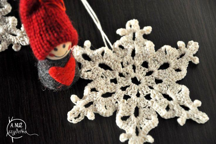 Śnieżynka najpiękniejsza - wzór na szydełko. Ozdoby choinkowe na szydełko. Free crochet pattern.