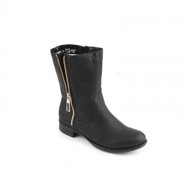 Women's boots in black synthetic leather. Natural fur inside and a side zipper for easier application. In large sizes from Rieker.