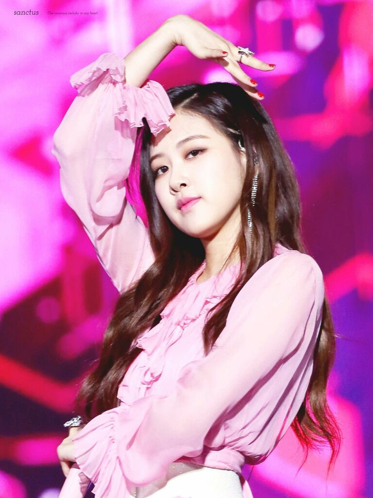 I love her so much. My ultimate bias!! ლ(⌒▽⌒ლ)