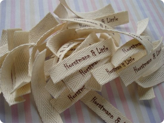Make lables from twill ribbon and printable heat transfer. Genius!!Diy Ideas, Sewing Projects, Diy Crafts, Diy Tutorials, Crafts Labels, Homemade Crafts, Artcrafts Ideas, Home Made, Diy Labels