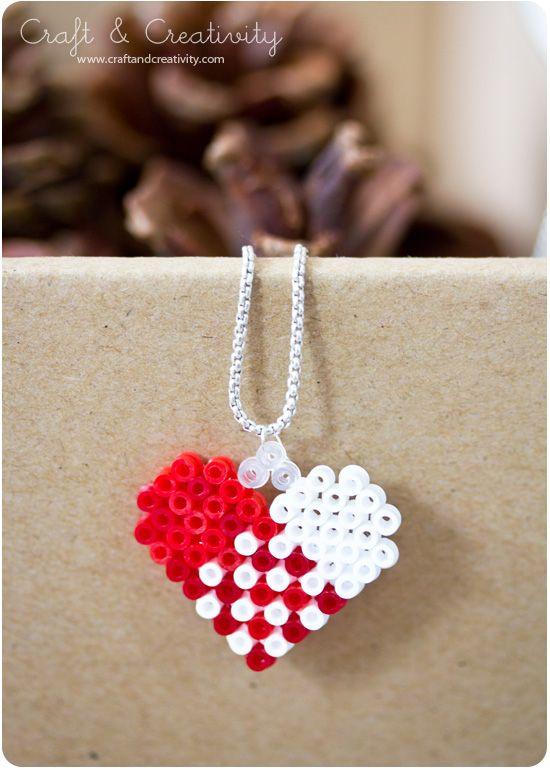 perler bead - perler Bead Christmas Heart pendant necklace - by Craft & Creativity - Perler-weaving - Hama - - Fuse bead designs - Perler Bead - Perler bead art - #perlerbead