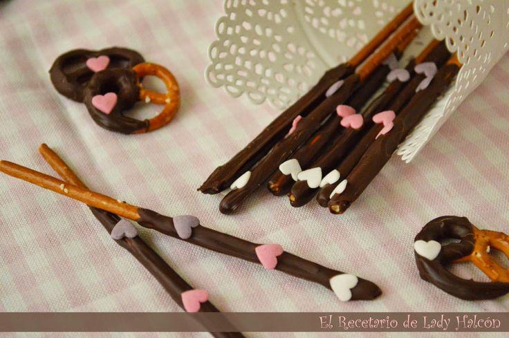 El Recetario de Lady Halcon: Idea para San Valentín last-minute: Pretzels cubiertos de chocolate