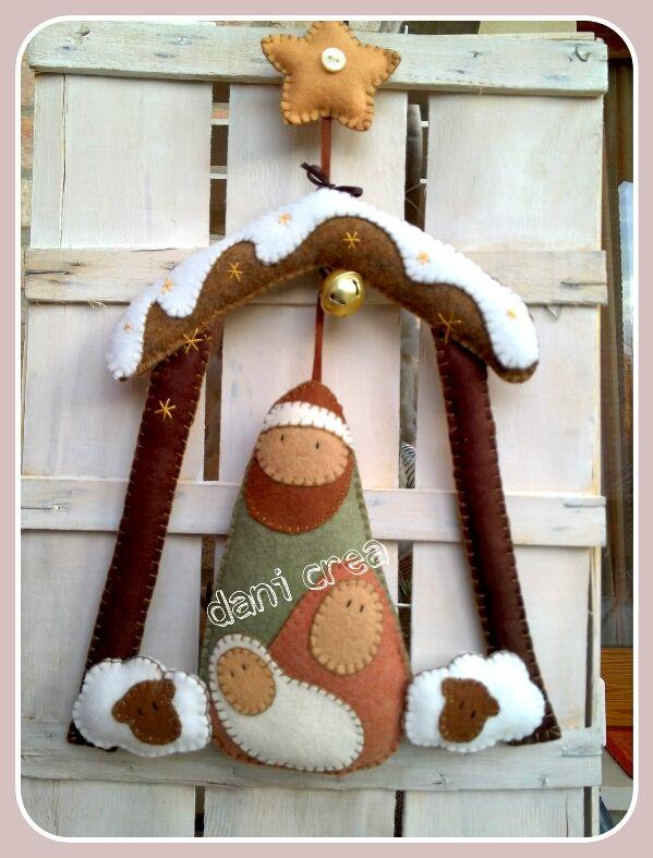 http://ilfilodimais.blogspot.it/2013/12/cucito-creativo-fuoriporta-nativita-su.html Felt Nativity