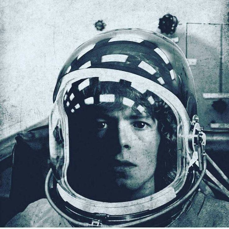 can you hear me Major Tom ?