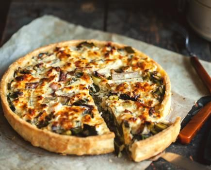 SOFT CHEESE AND VEGETABLES TART |  Savoury tarts are perfect for a light lunch. Be playful and use the ingredients that are in the season. @jernejkitchen