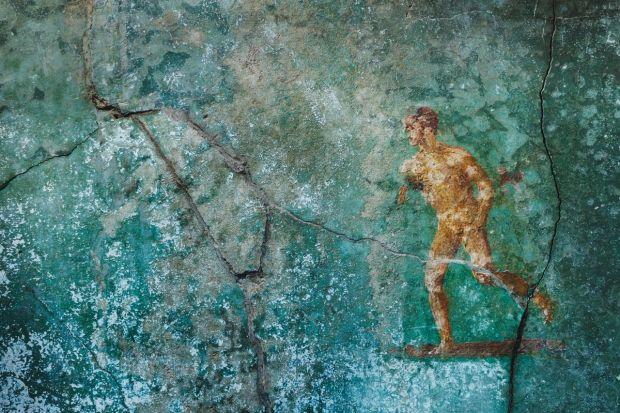 Fresque représentant la fuite de Pompéi Cette clbre fresque se situe dans la pice 48, le caldarium, destin aux bains chauds. Elle figure un athlte ou un coureur, comme le laisse supposer sa nudit. Elle symbolise la situation aprs lruption volcanique : les habitants ne pouvaient que fuir ou se rfugier dans leurs maisons.