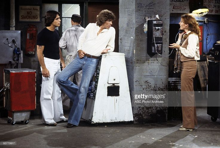 The Great Line' - Season One - 10/17/78, Tony Danza (as Tony), Jeff Conaway (as Bobby), Marilu Henner (as Elaine) on the ABC Television Network comedy 'Taxi'. John meets a girl at a bar and to his surprise she likes to have a drink with him. After heading of with her to go bowling, he doesn't show up at work for a few days. After returning, he tells everyone that he got married to the girl he met at the bar.,